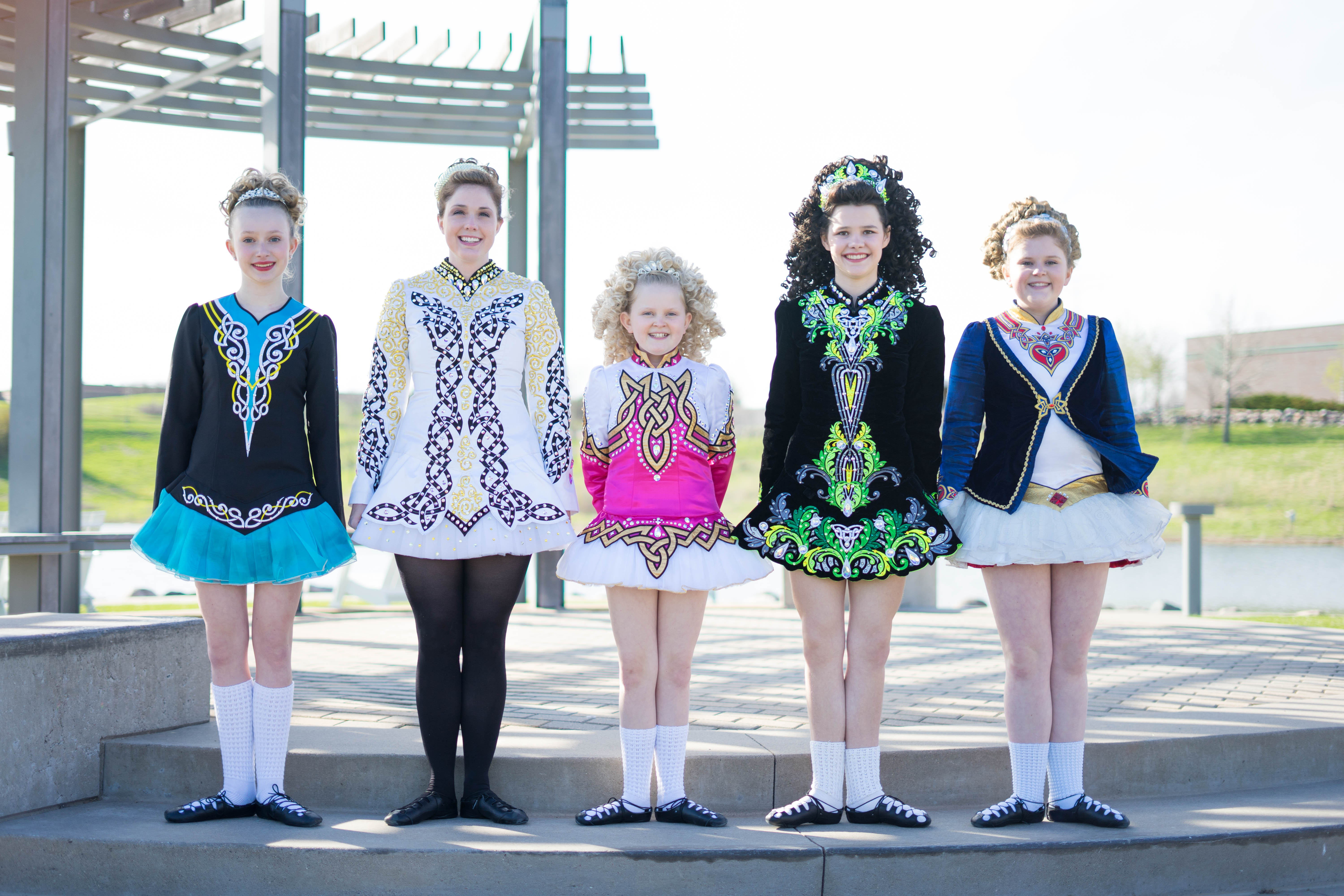 FiveIrish Dancers from Rince Nua competing in Ireland this Spring